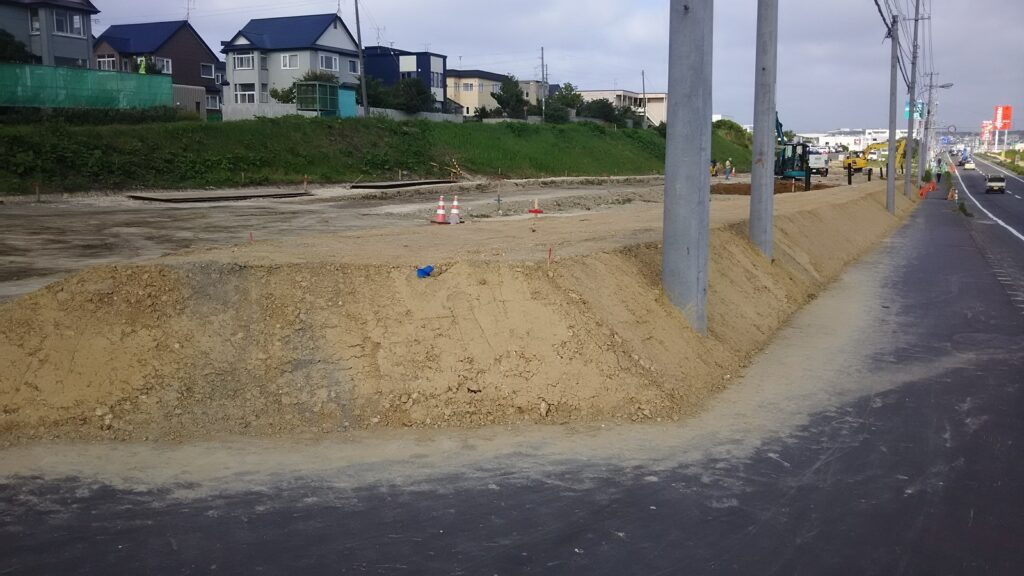 緑・富岡環状通街路整備(道路改良)その2工事 8月3日 続きその3